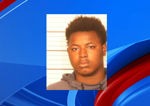 MPD: teenager arrested after shooting at officers